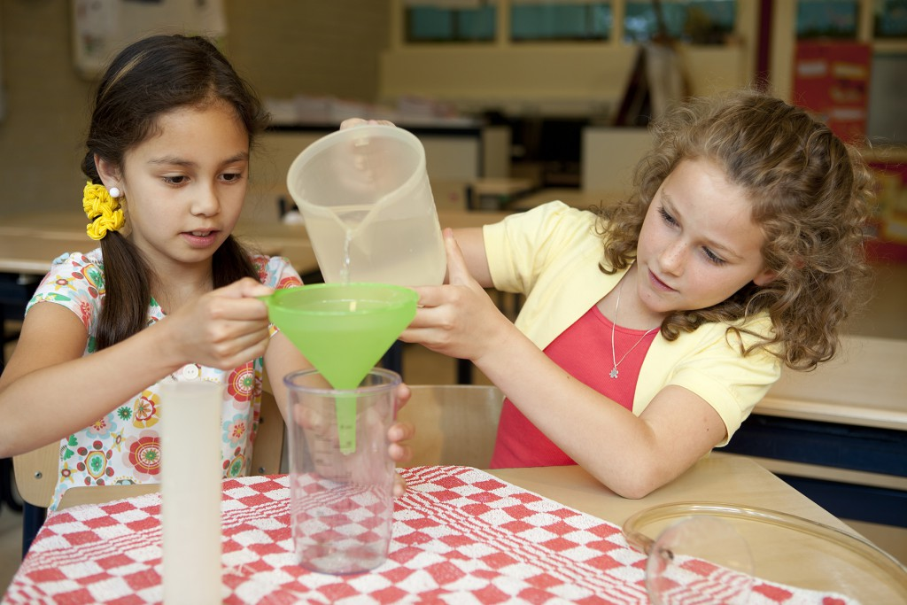 8 STEM Activities for Engaging Reluctant Readers