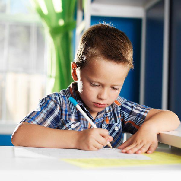 volunteering_write_letters