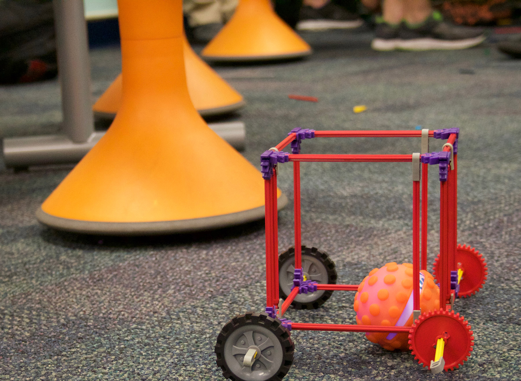 Sphero ® Design Challenges to Get Kids Coding and Creating in No Time